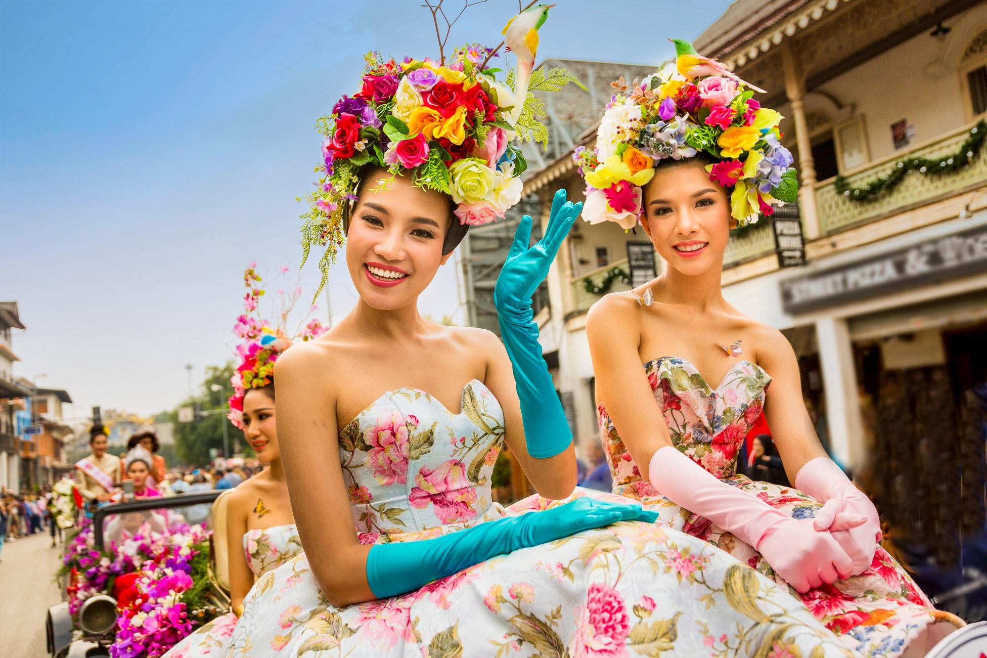 parade Chiang Mai Flower Festival